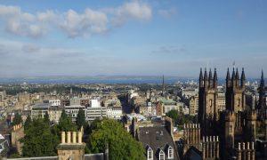 Авантюра: Яна Дончева в Единбург