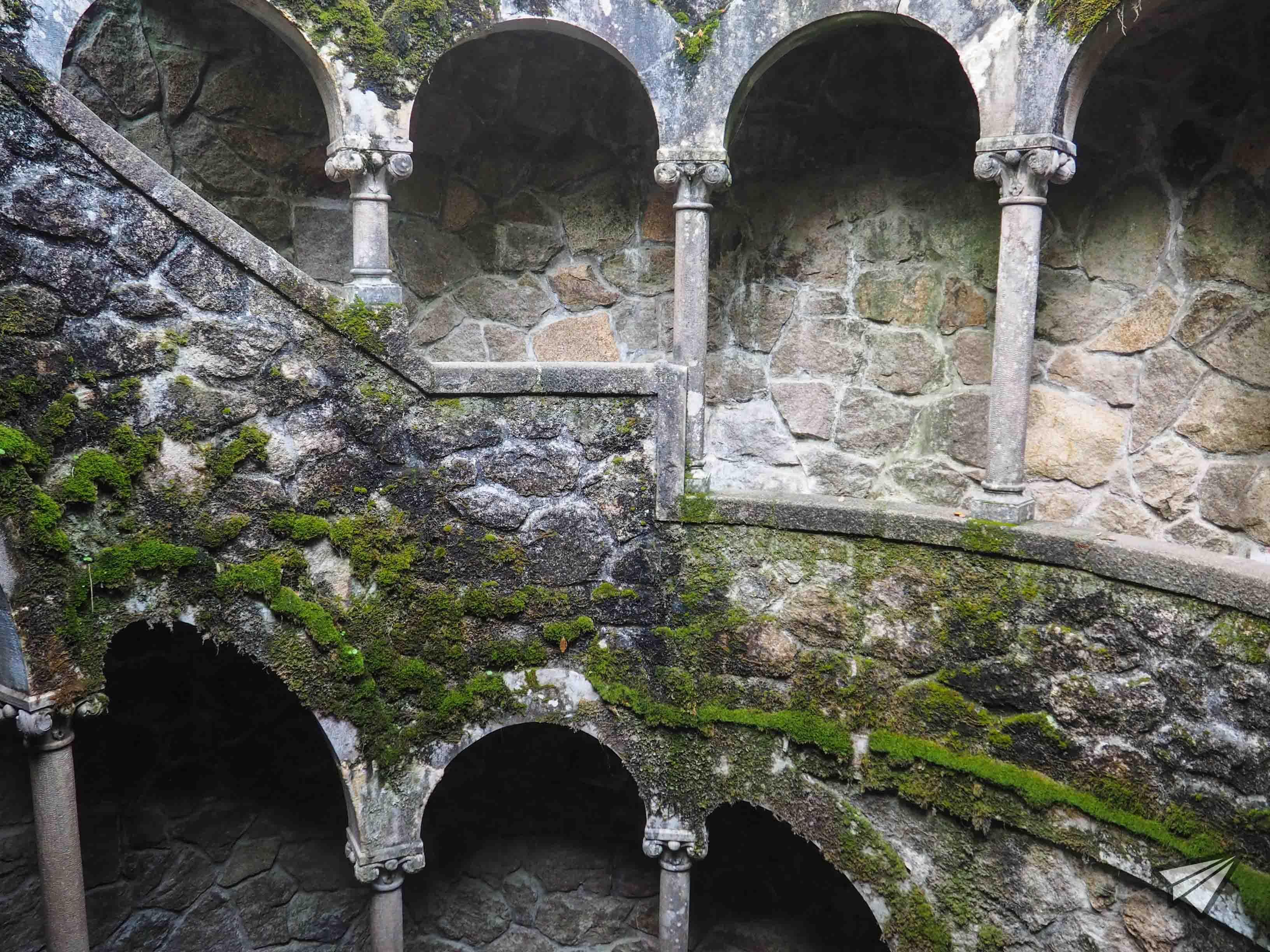 Дворецът Кинта да Регалейра кладенец