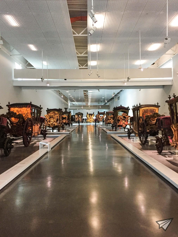 Museu Nacional dos Coches room