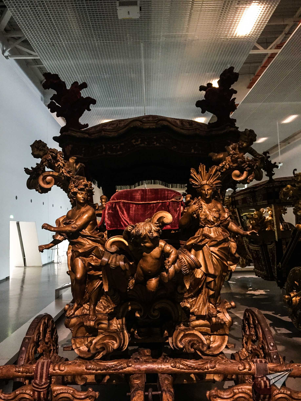 Museu Nacional dos Coches art