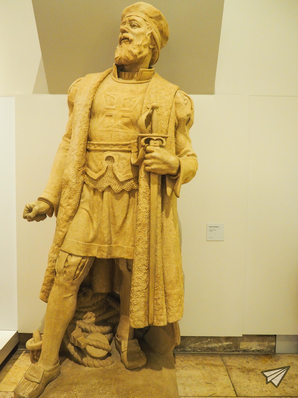 Museu de Marinha statue