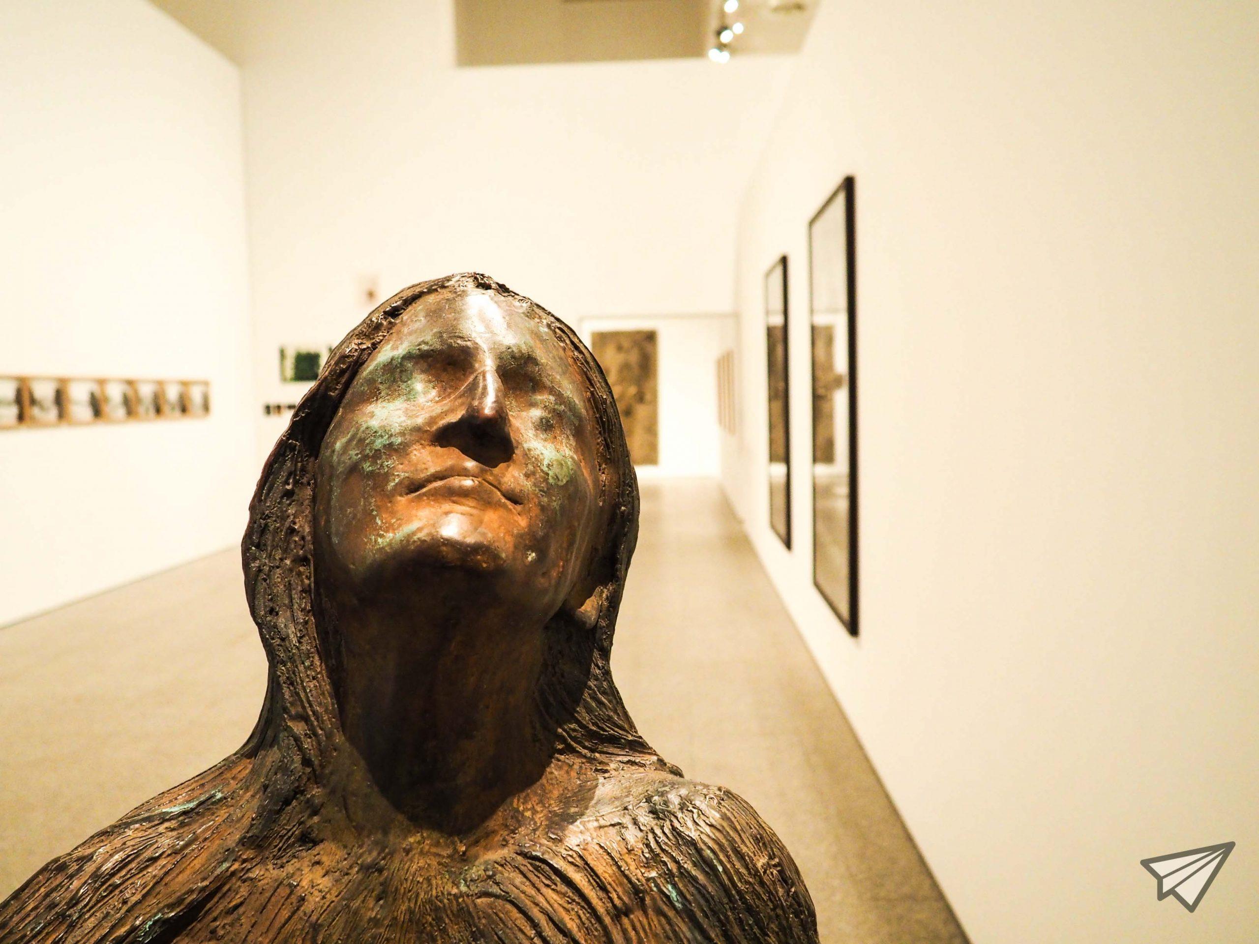 Museu Coleção Berardo statue