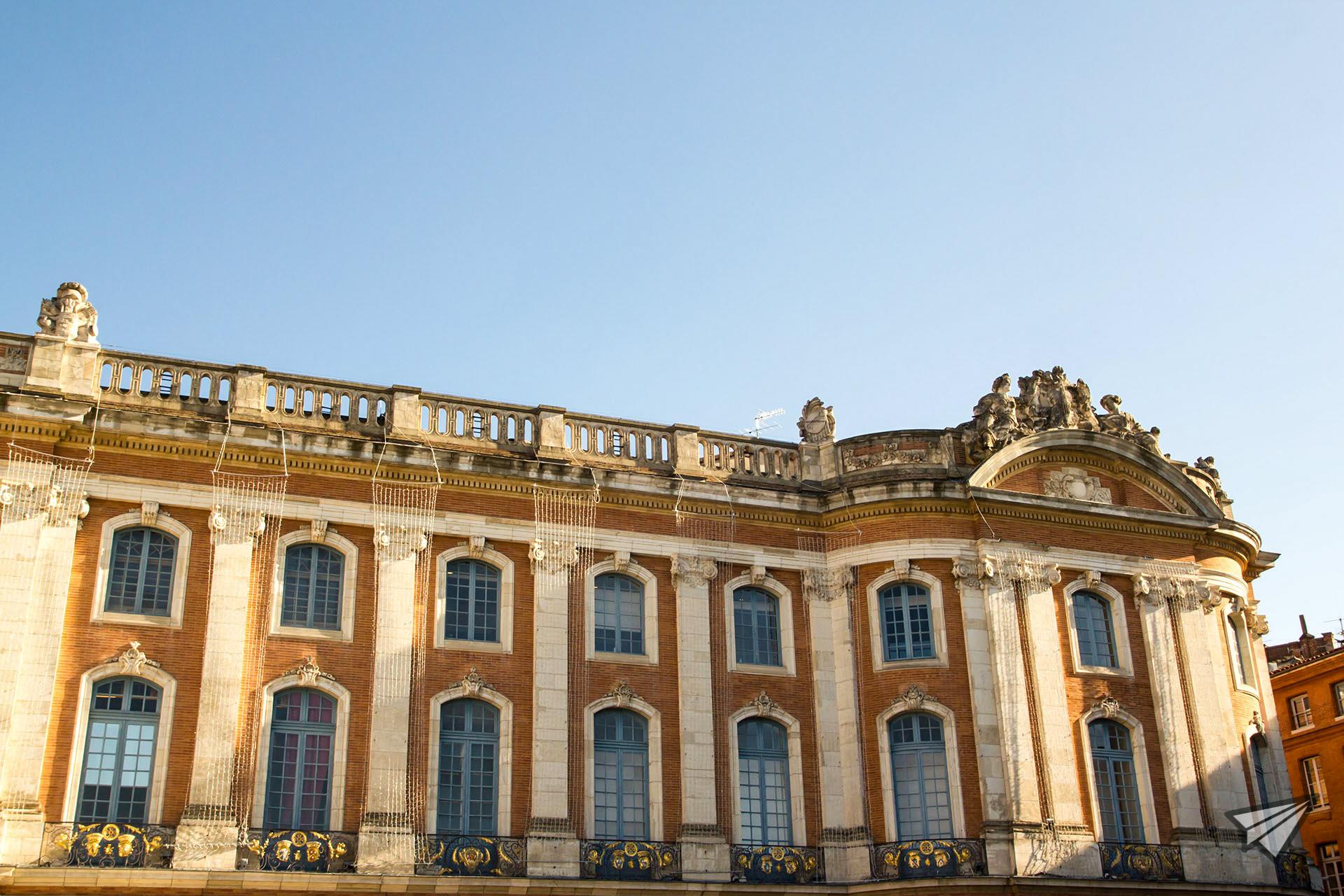Le Capitole Central square Toulouse2