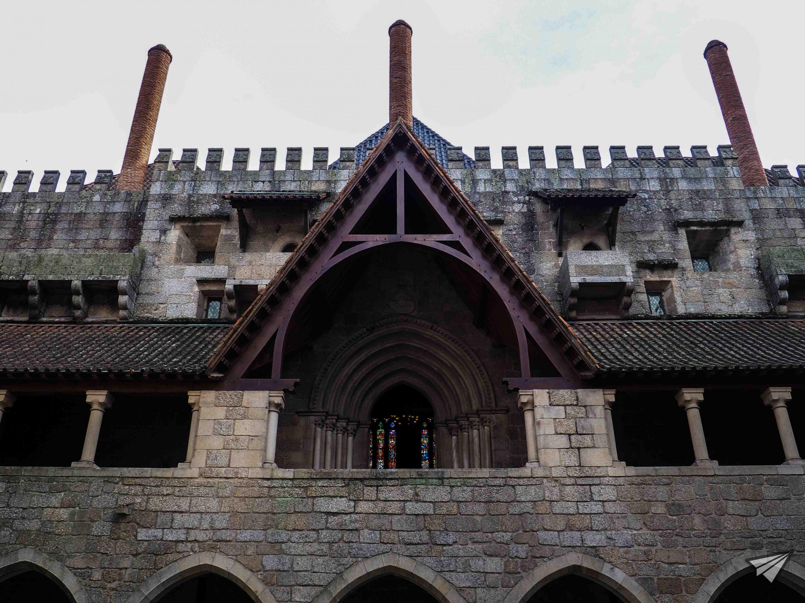Главен вход на дворецът на херцозите на Браганса