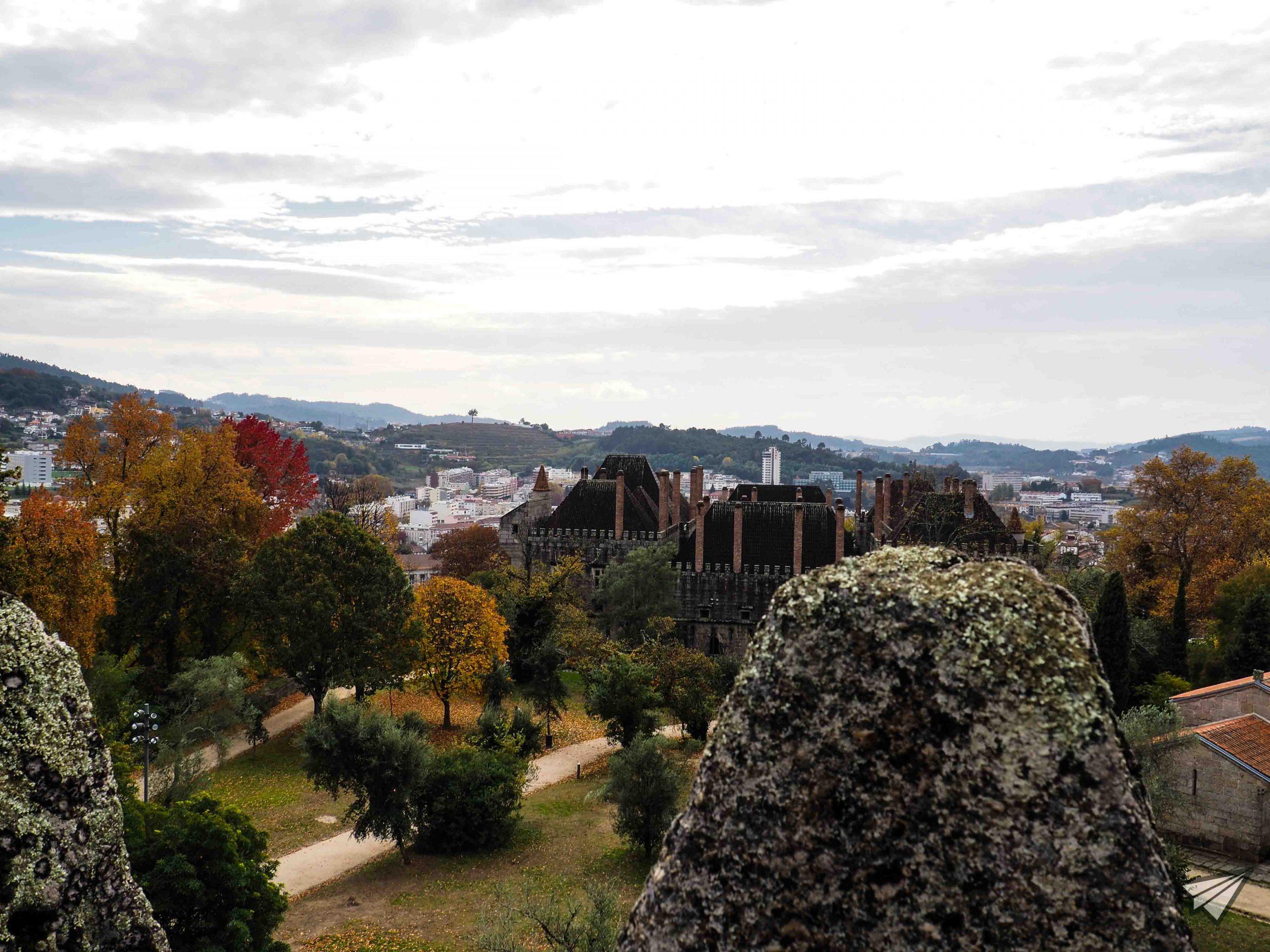 Замъкът Гимараеш гледка