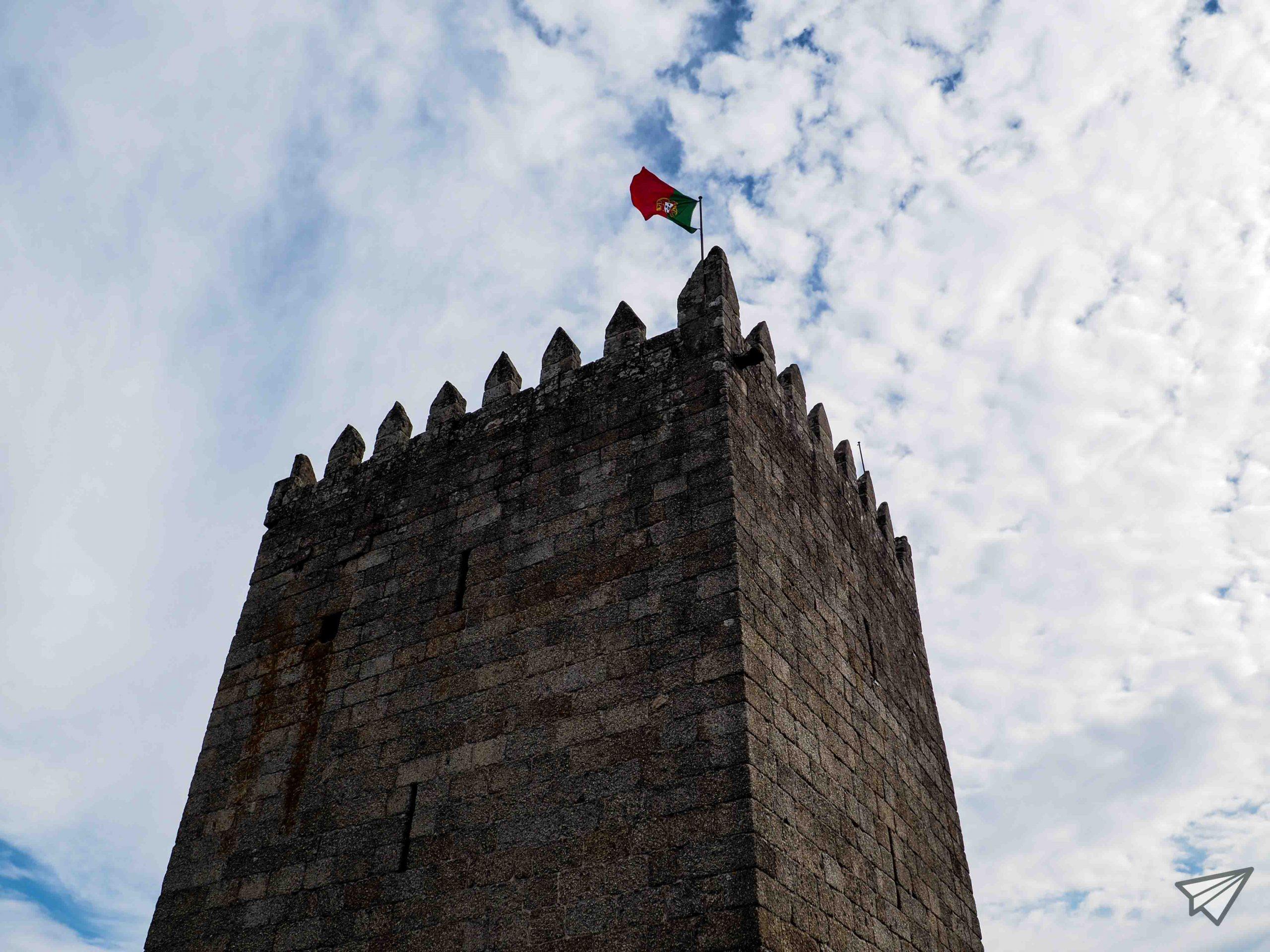 Замъкът Гимараеш кула